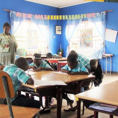 Het Speciaal Onderwijsklasje in Moengo