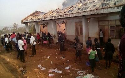 brand in de meisjesslaapzaal op SARICO Nkambe