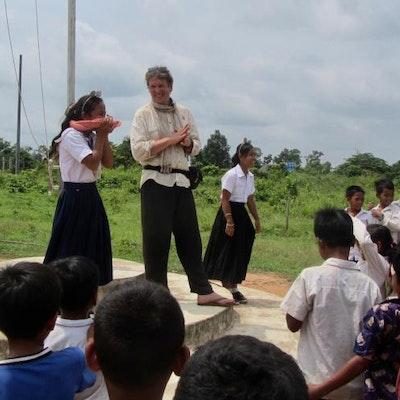 2017: het bezoeken van enkele scholen in noord-Cambodia, deel van de initiatiefase van het opstarten van een nieuw project.