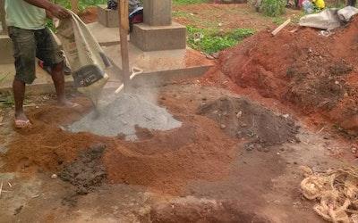 bouw van de 2de waterput op SATHECCOL Sabongari